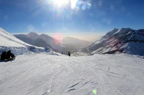 Skier, skier et encore skier !!! Et penser à s'arrêter de temps en temps au restaurant le Criou