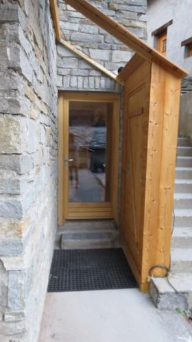 Entrée et casier à skis / Entrance & ski storage