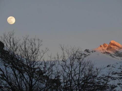 Lever de Lune et Coucher de Soleil depuis la terrasse